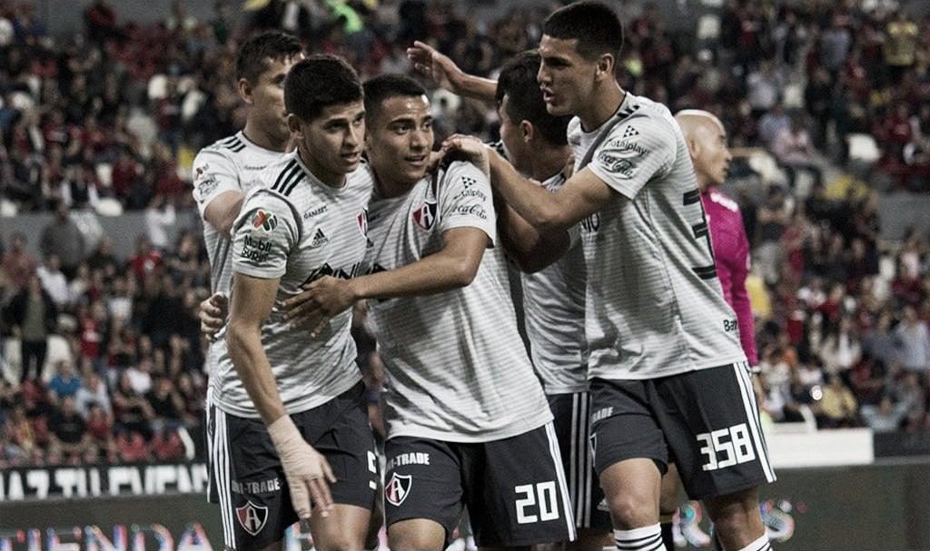 Feria de goles con victoria rojinegra