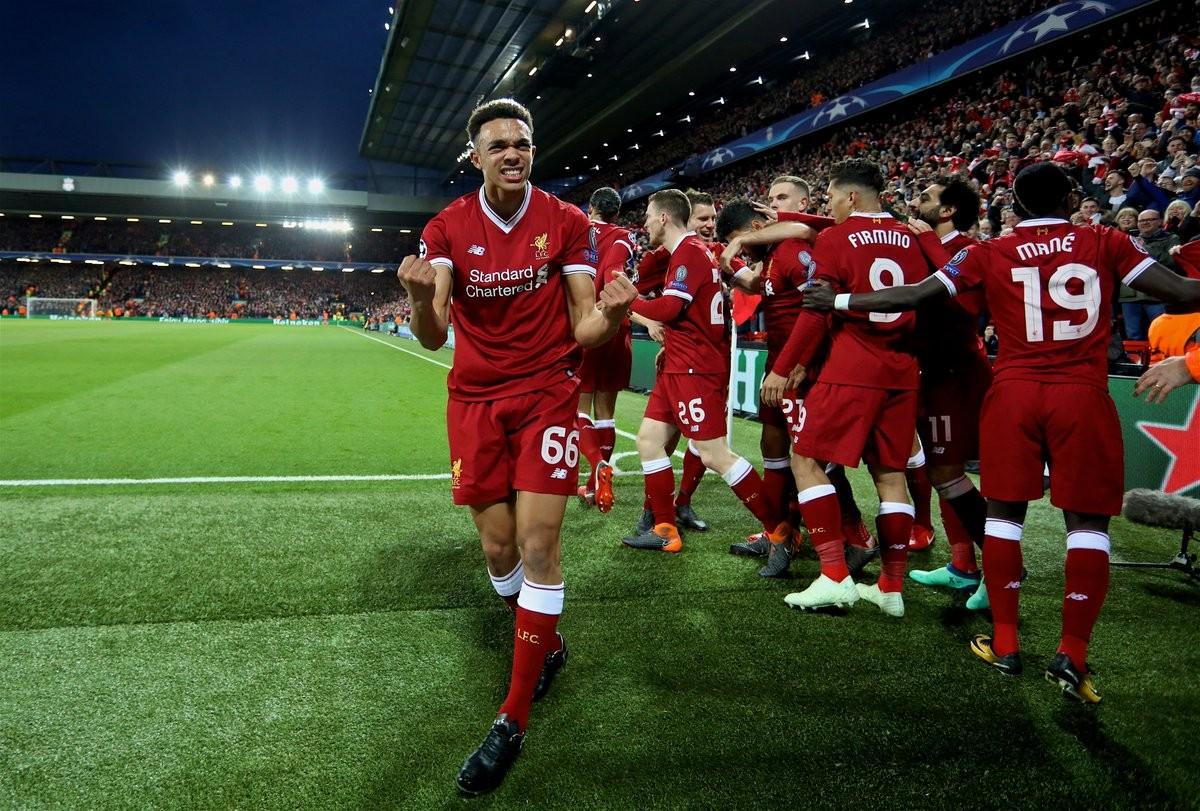 Liverpool dilagante ad Anfield: Salah, Oxlade-Chamberlain e Manè mettono KO il City