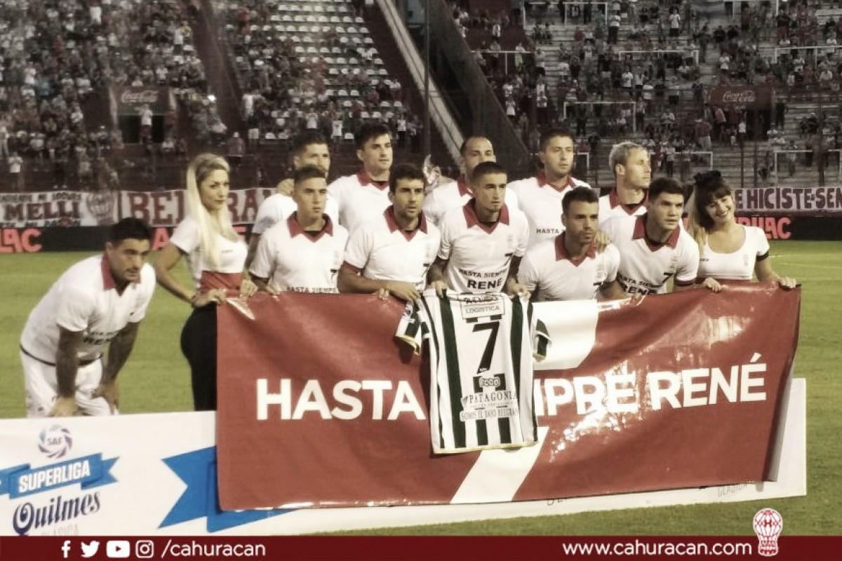 Com homenagens a Houseman e polêmicas, Huracán e Banfield empatam na Superliga Argentina