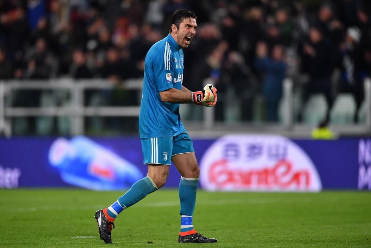Buffon a sorpresa: