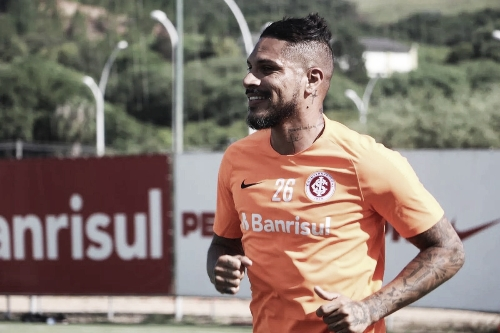 Guerrero entra na lista de inscritos do Internacional para reta final do Gauchão