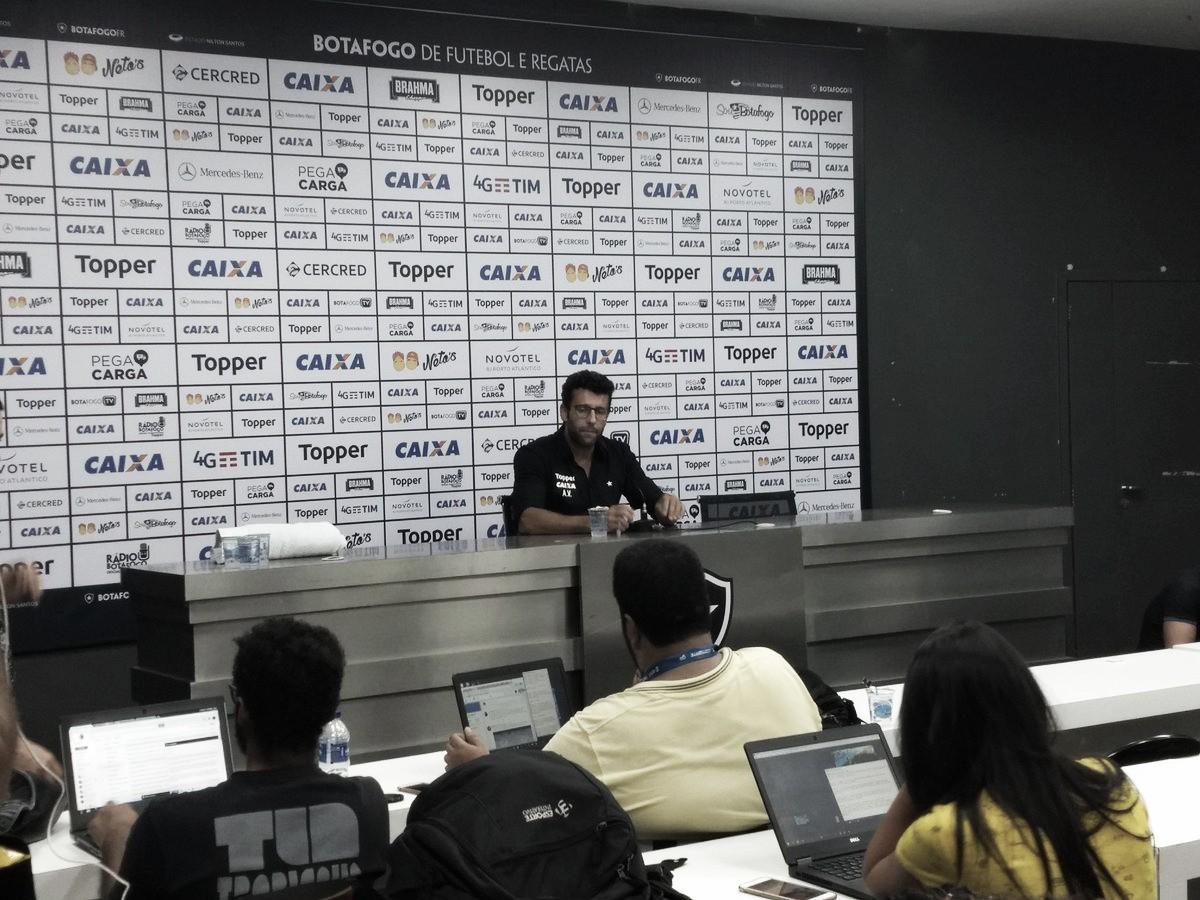 Alberto Valentim afasta polêmica com insatisfação de jogadores substituídos