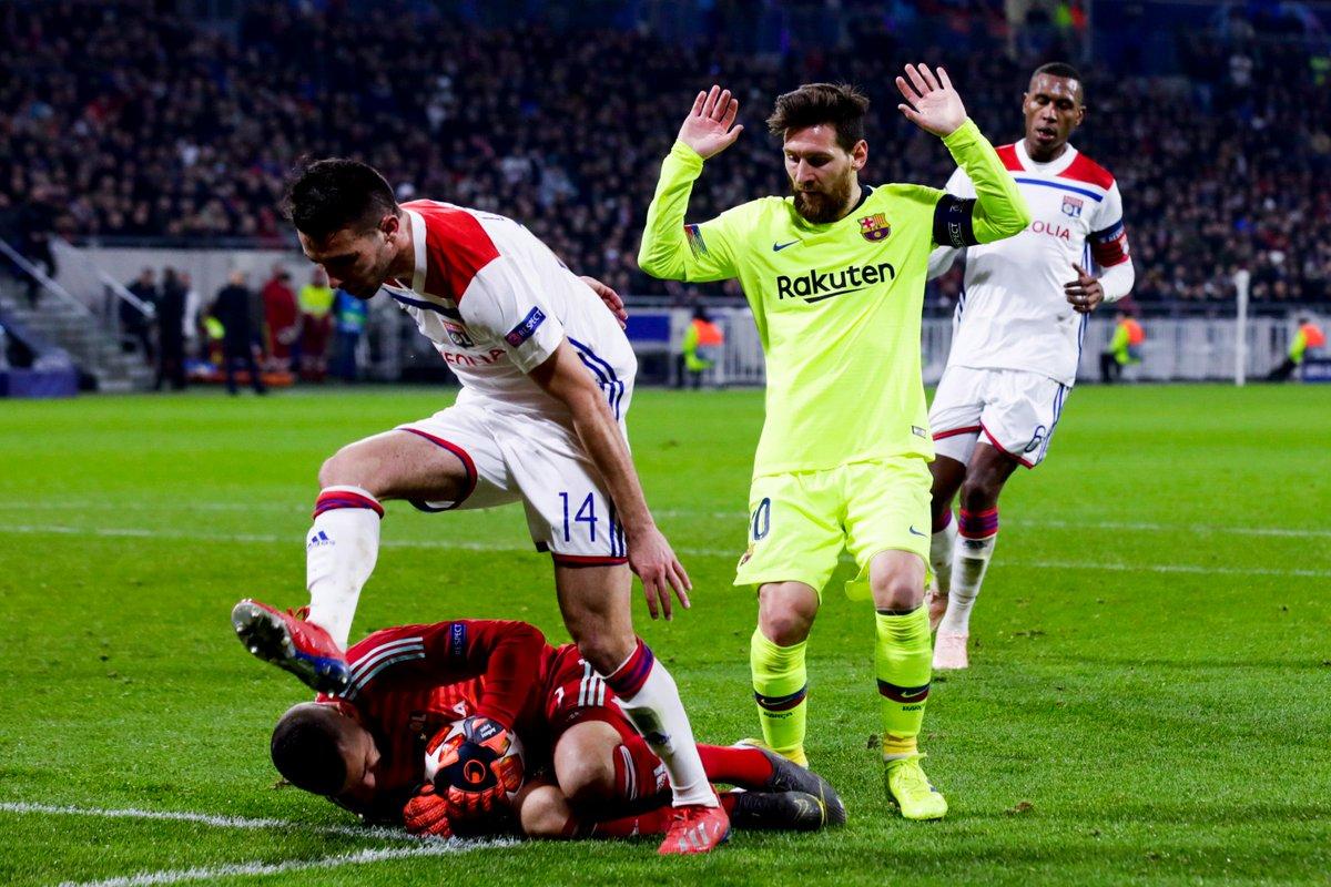 Champions League - Tante emozioni ma nessun gol: 0-0 tra Lione e Barcellona