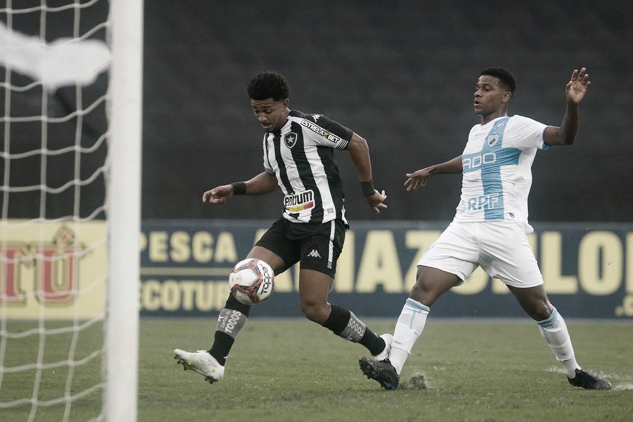 Botafogo goleia, vence quarta partida seguida e é o novo vice-líder da Série B