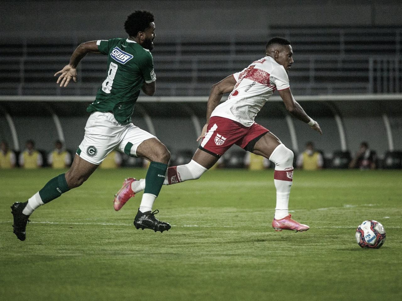Goiás aguenta pressão, vence CRB e se firma na vice-liderança da Série B