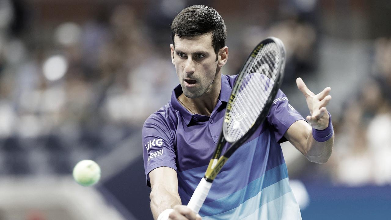 Rune desafia Djokovic, mas sofre fisicamente e perde em quatro sets na estreia do US Open