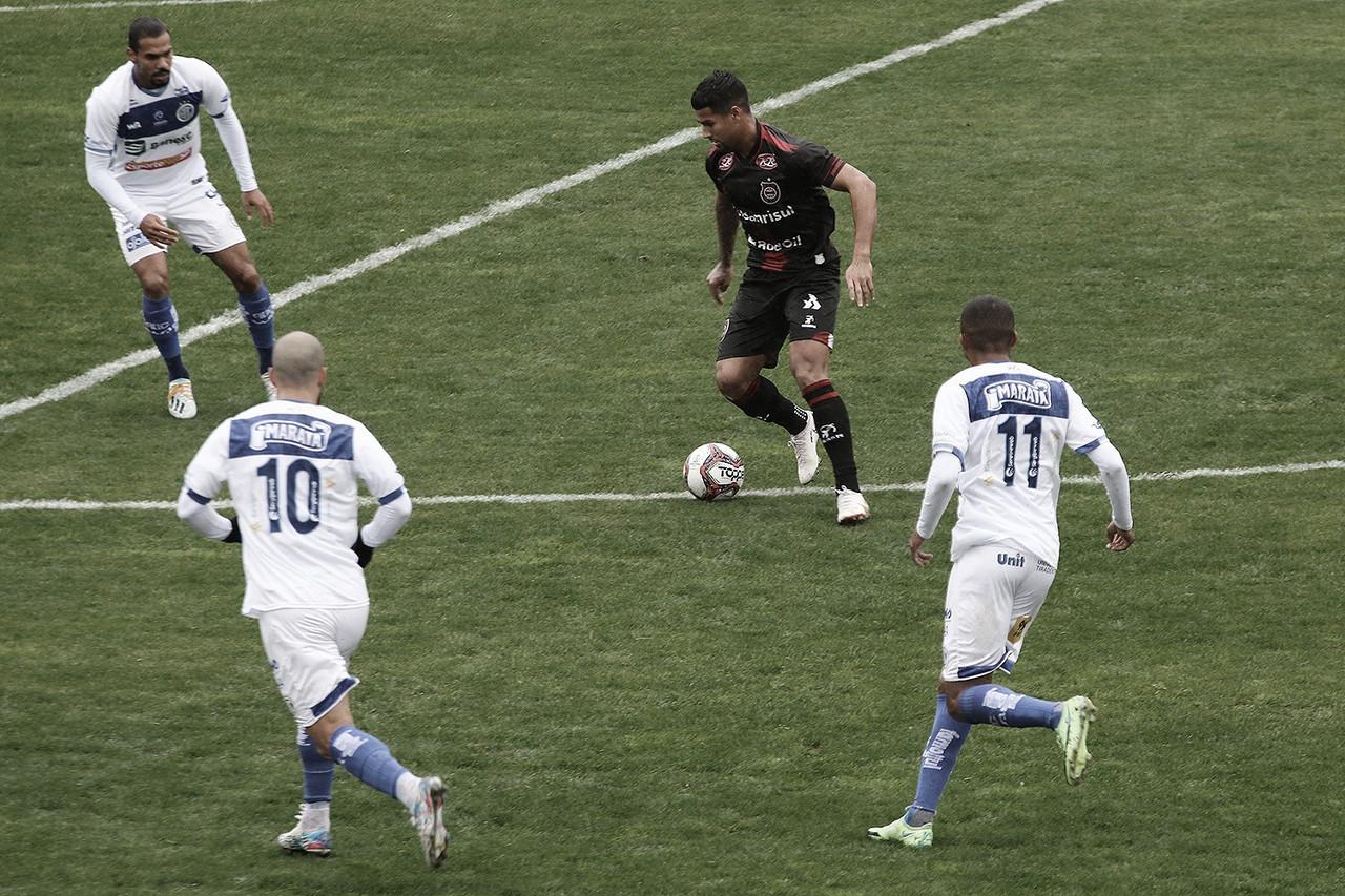 Em jogo fraco tecnicamente e com dois gols anulados, Brasil de Pelotas e Confiança empatam