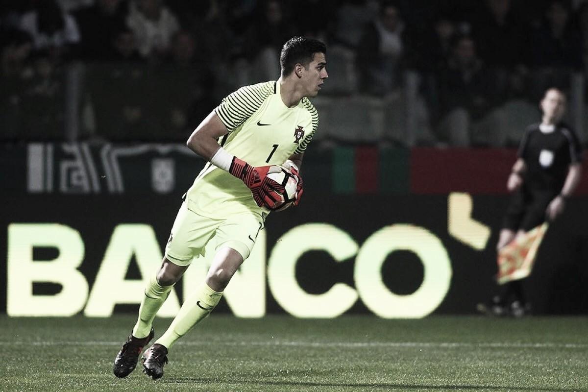 Goleiro Joel Pereira é emprestado pelo Manchester Unitedao Vitória de Setúbal