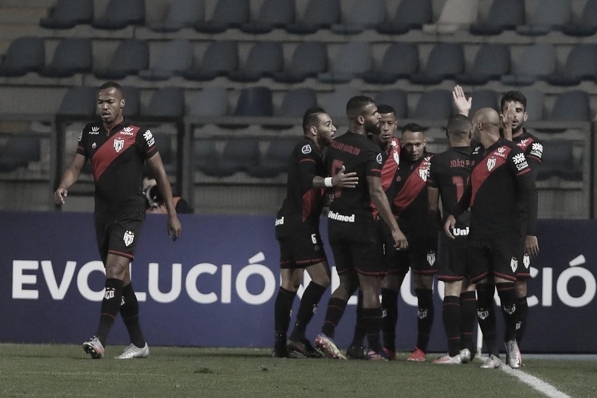 Em briga pela liderança, Libertad e Atlético-GO se enfrentam em Assunção