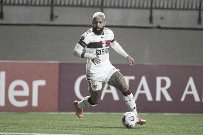 Flamengo sai atrás, mas busca empate contra La Calera e continua invicto na Libertadores