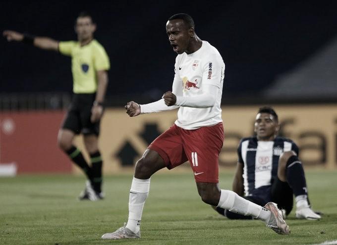 Helinho marca, RB Bragantino vence Talleres e mantém viva esperança de classificação