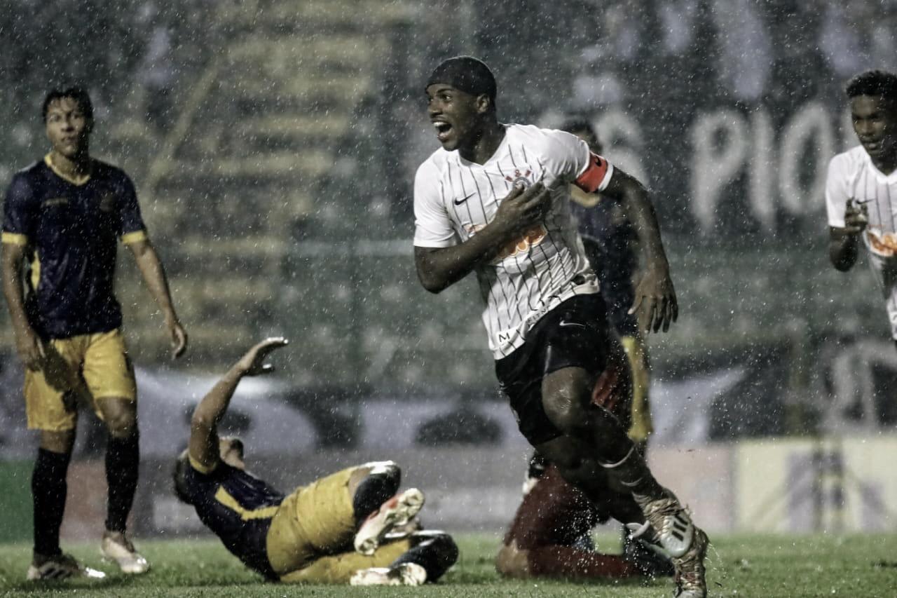 Debaixo de forte chuva, Corinthians derrota Retrô-PE na Copa São Paulo
