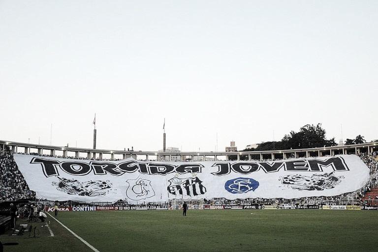 Santos jamais foi derrotado pelo Vasco no Pacaembu; confira o retrospecto