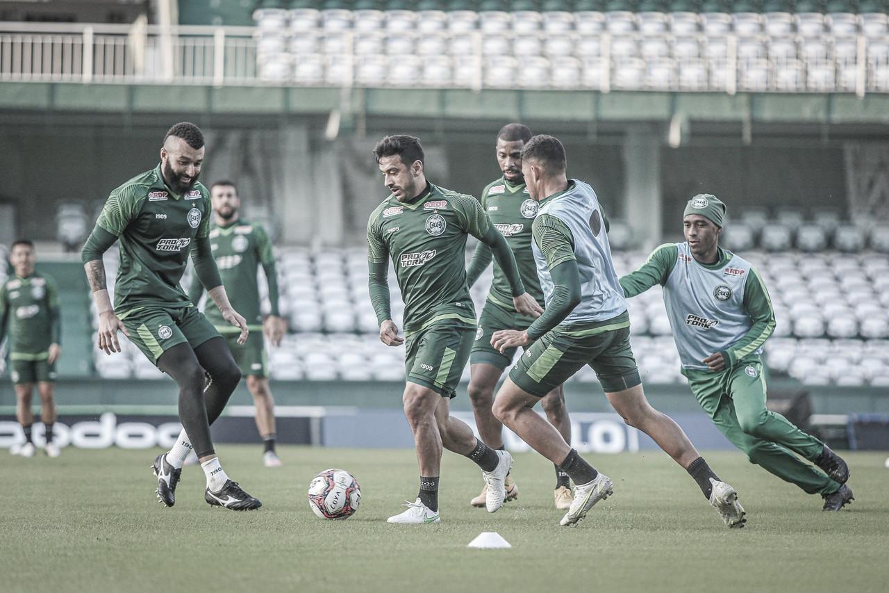 Após eliminação precoce no estadual, Coritiba enfrenta embalado Avaí na estreia da Série B