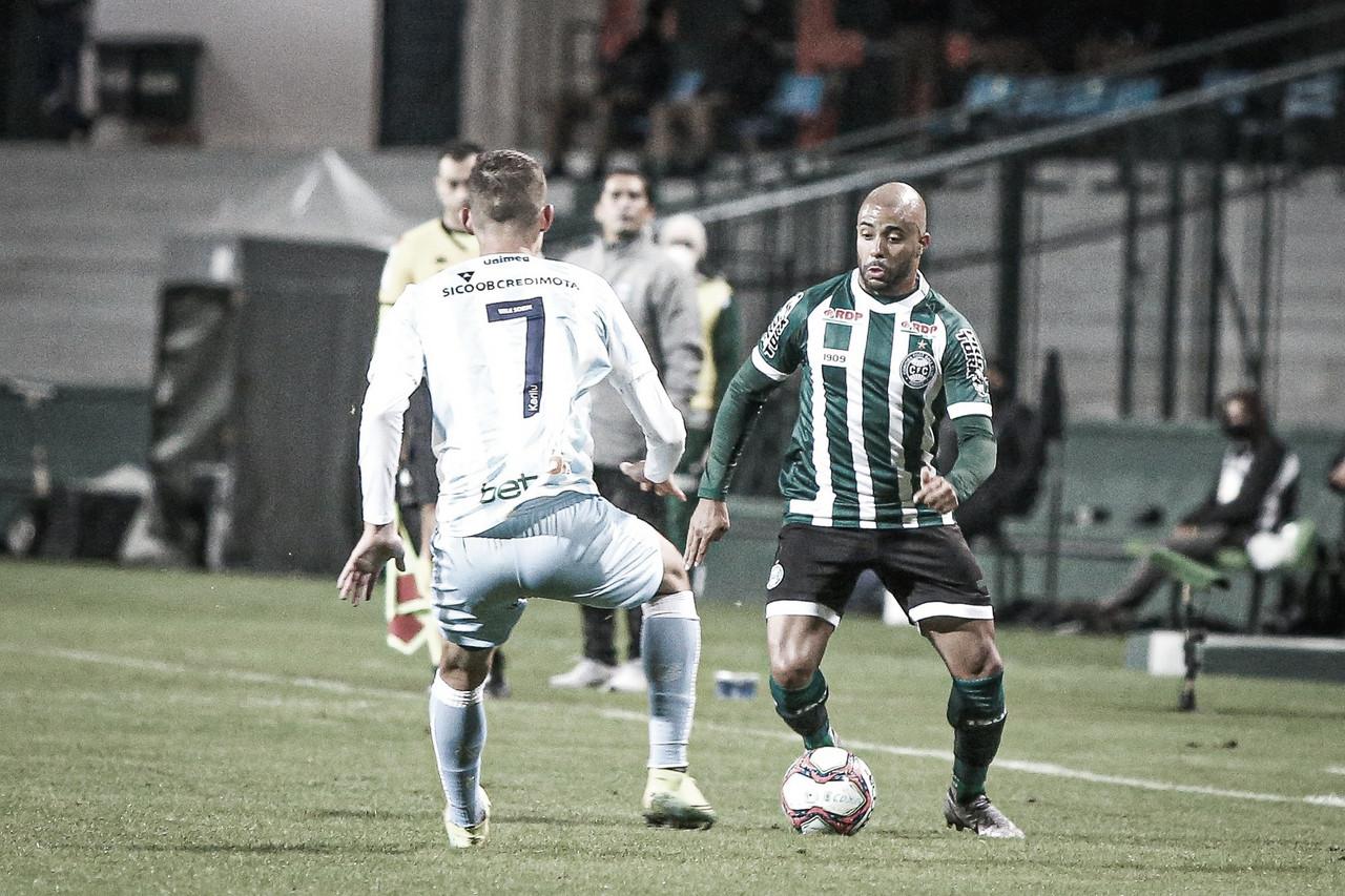 """Gustavo Morinigo mostra segurança no Coritiba: """"Todo o time está crescendo"""""""