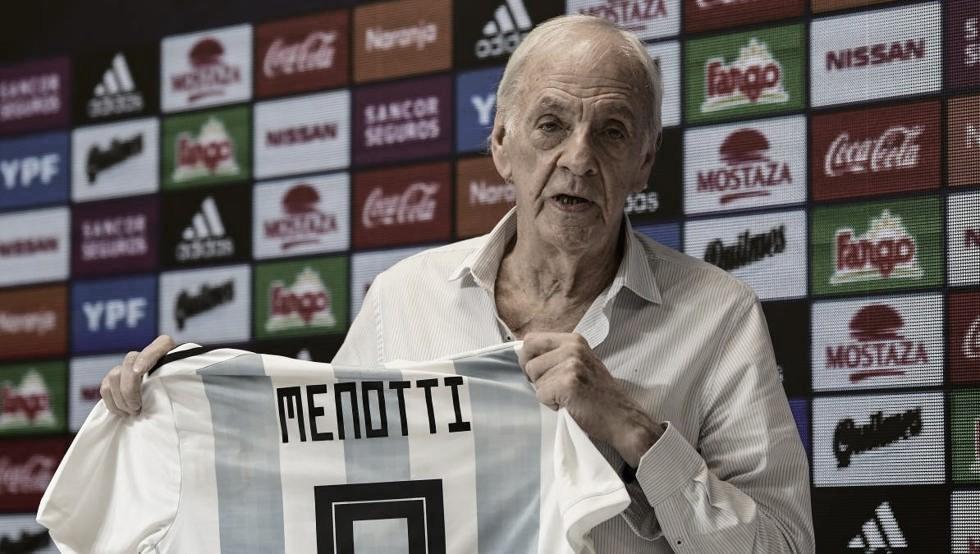 """Cesar Luis Menotti: """"Claro que este triunfo entra en el podio junto al Mundial de 78 y del 86"""""""
