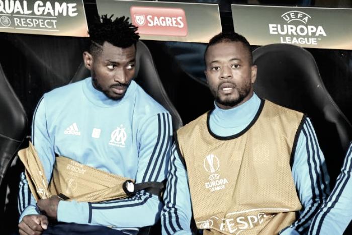 Evra é afastado do Olympique Marseille após chutar torcedor antes de jogo da Europa League
