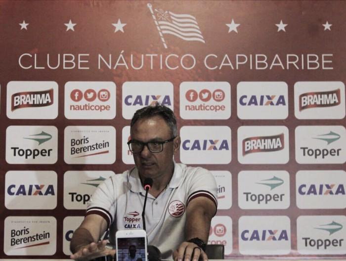Isolado na lanterna, Náutico anuncia demissão de técnico Beto Campos