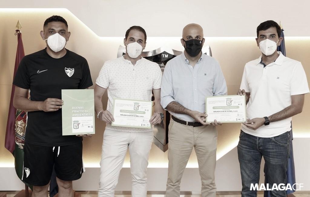 El Málaga CF recibe el certificado de red de establecimiento sostenible