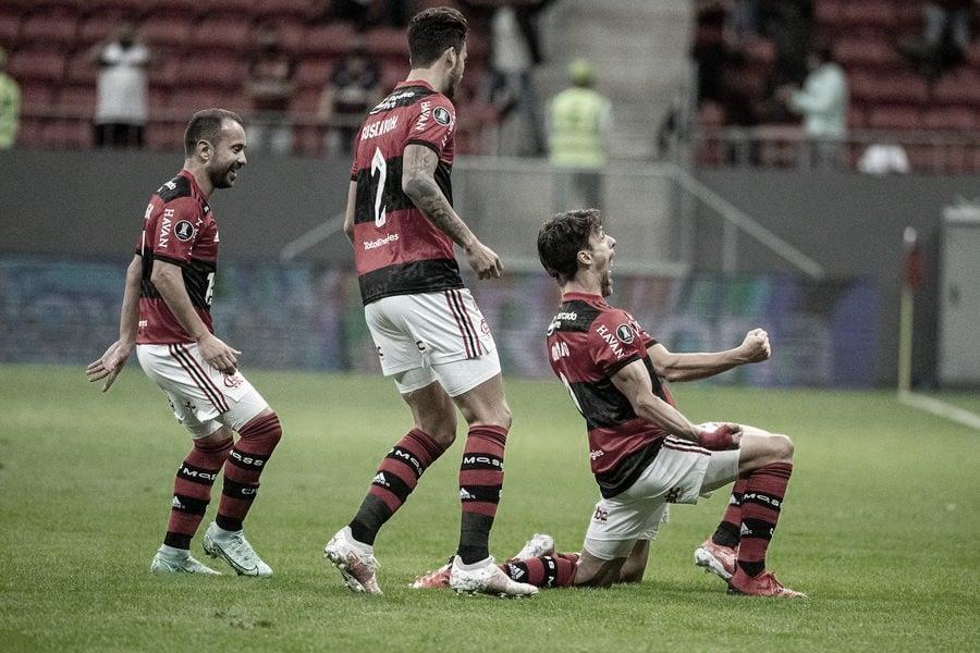 No reencontro com a torcida, Flamengo joga bem e elimina Defensa y Justicia