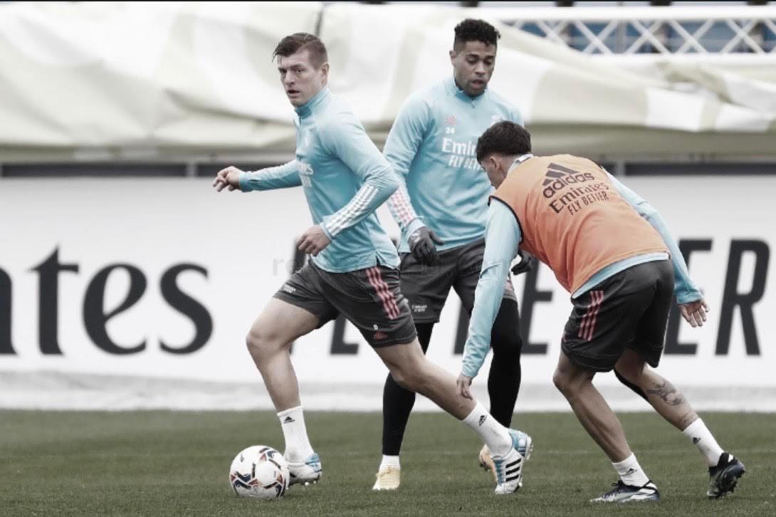 Entrenamiento en Valdebebas antes de enfrentarse al Valencia