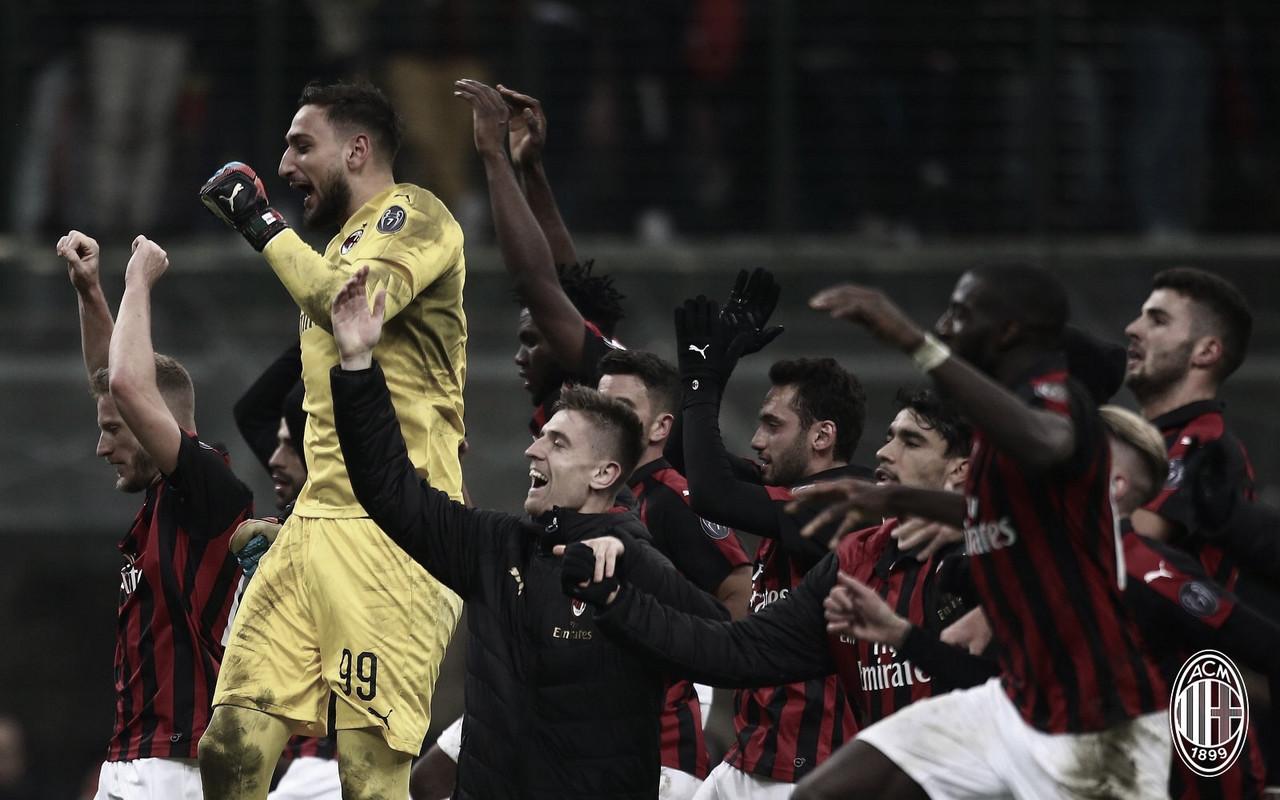 Com noite inspirada de Piatek, Milan vence Napoli e avança na Copa da Itália
