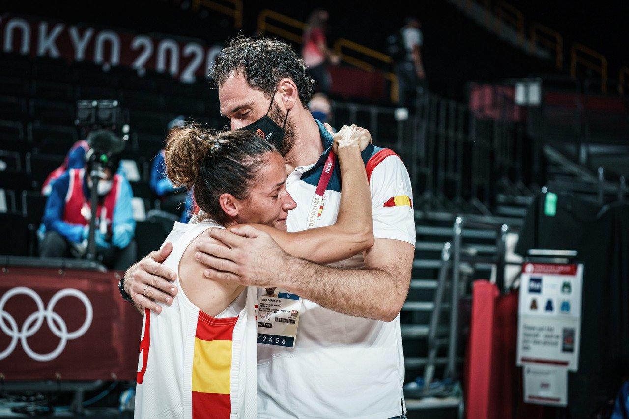 Johannes eliminó a La Familia de baloncesto