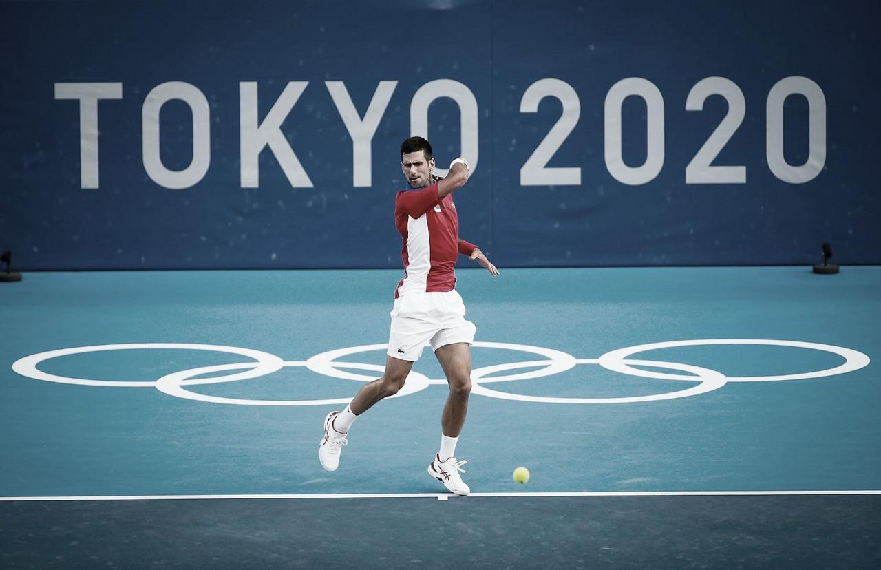 Com direito a 'pneu', Djokovic elimina Nishikori e avança para a semifinal em Tokyo 2020