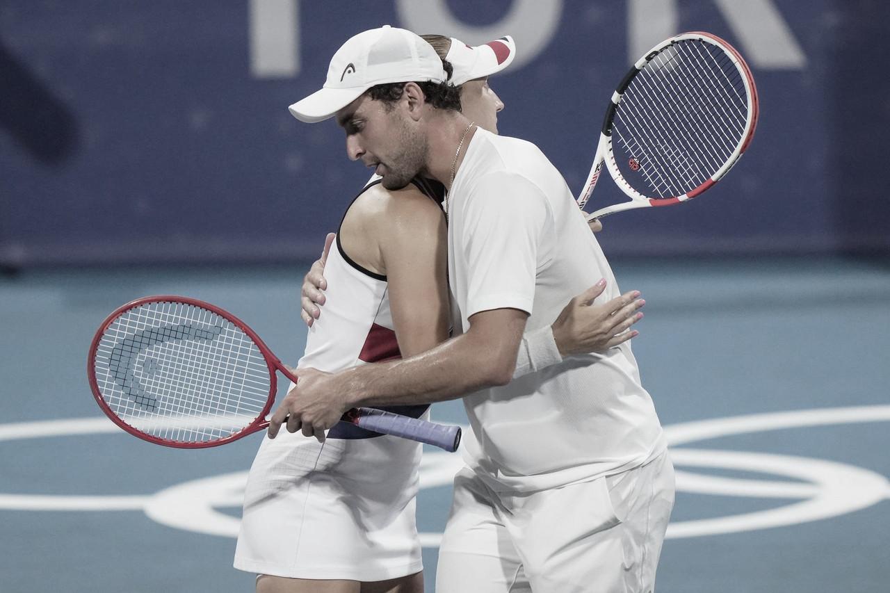 Vesnina/Karatsev vencem Stojanovic/Djokovic e vão à final das mistas nas Olimpíadas