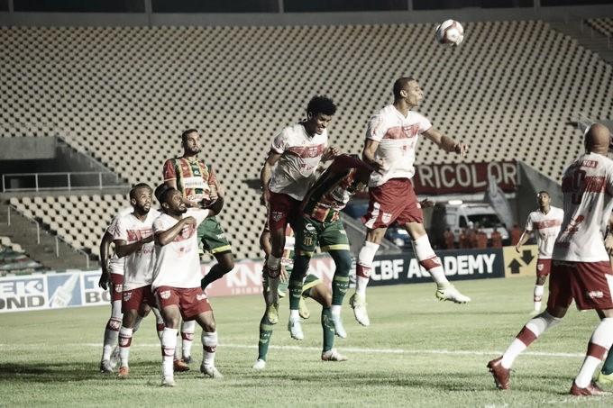 Em jogo de cinco gols, CRB vence Sampaio Corrêa fora de casa e entra no G-4 da Série B
