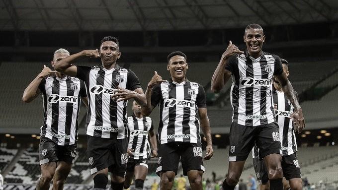 Ceará cresce no segundo tempo, vira sobre Fortaleza e vence Clássico-Rei