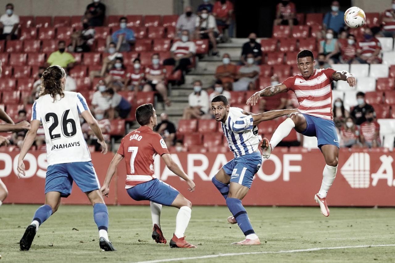 El Málaga pierde el partido, pero no los honores