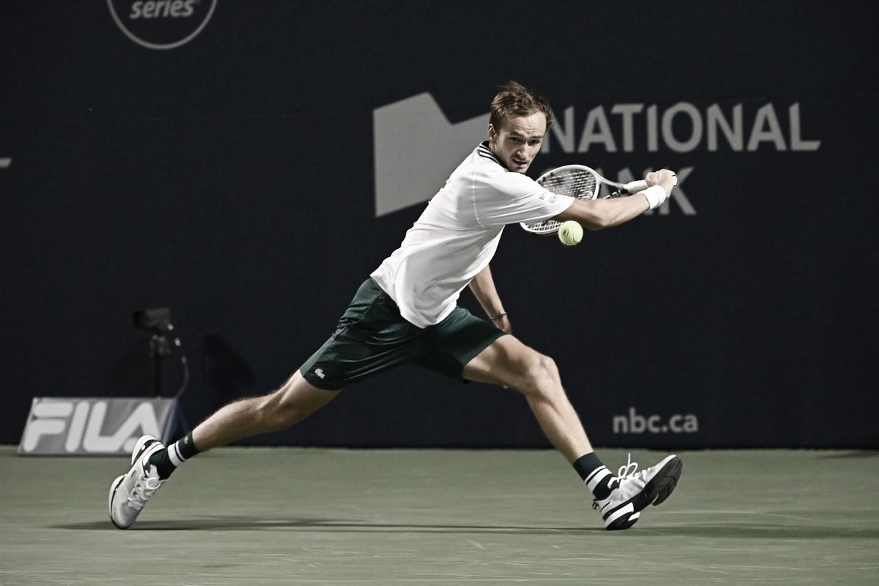 Medvedev não toma conhecimento de Isner e vai enfrentar Opelka pelo título em Toronto