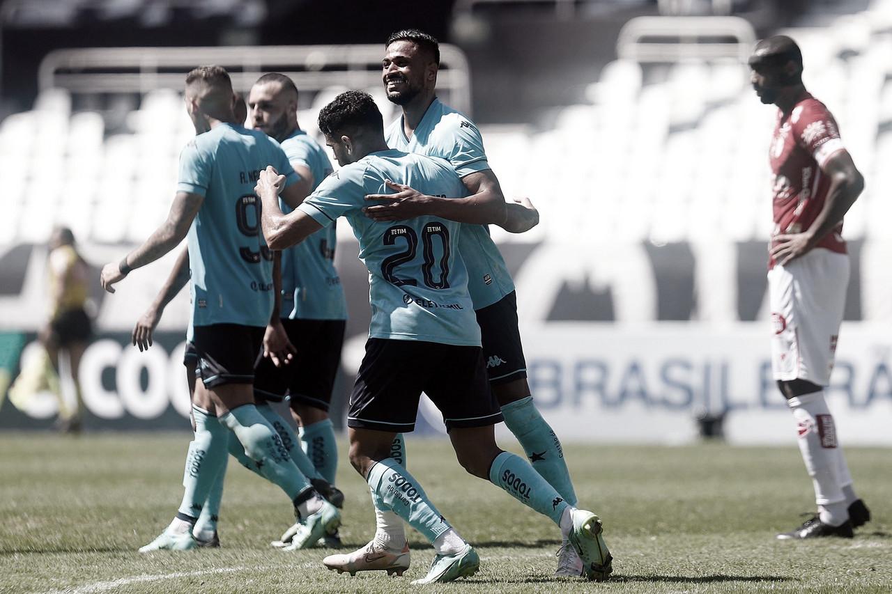 Em jogo com final emocionante, Botafogo derrota Vila Nova em casa e cola no G-4