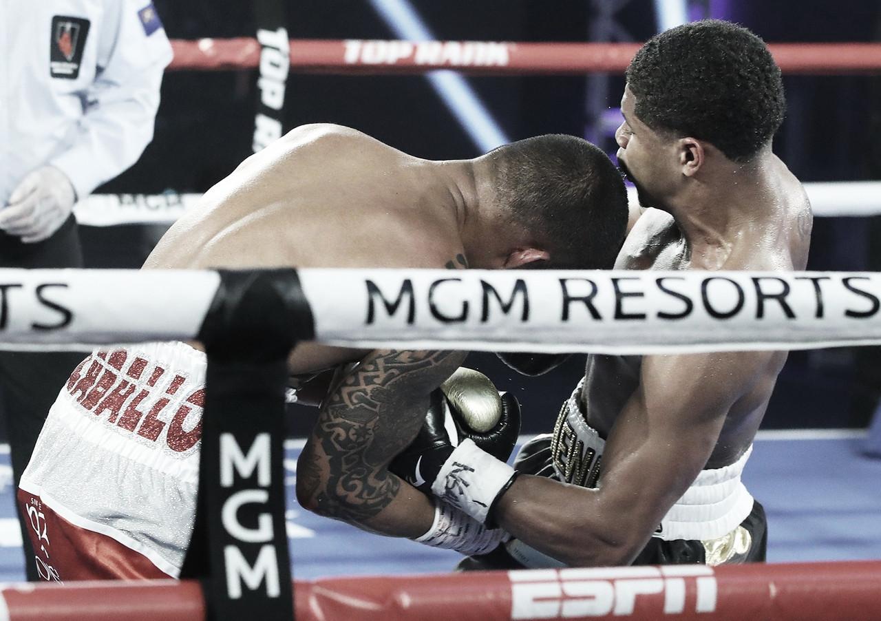 Stevenson aplastó a Caraballo en la vuelta del boxeo ''grande''