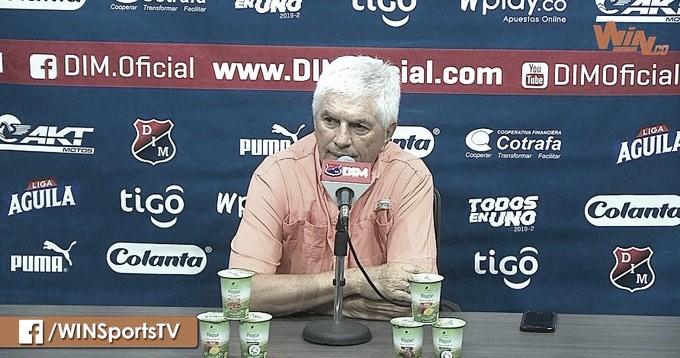 """Julio Comesaña: """"Ganamos jugando mal"""""""