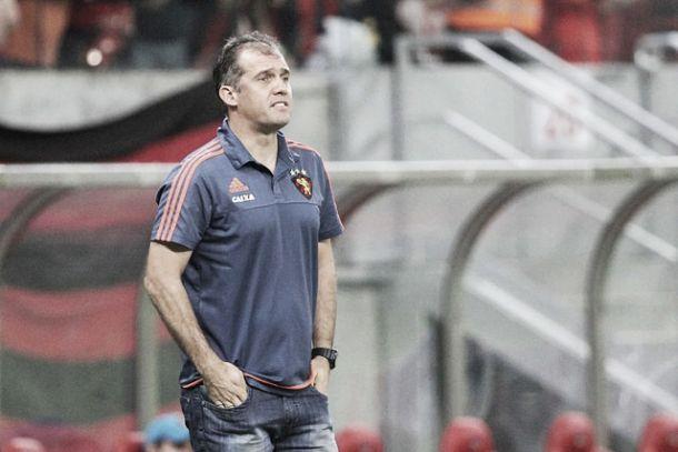 Eduardo Baptista exalta torcida do Sport e elogia desempenho dos atletas na  vitória ante São Paulo 39ba2144ac039