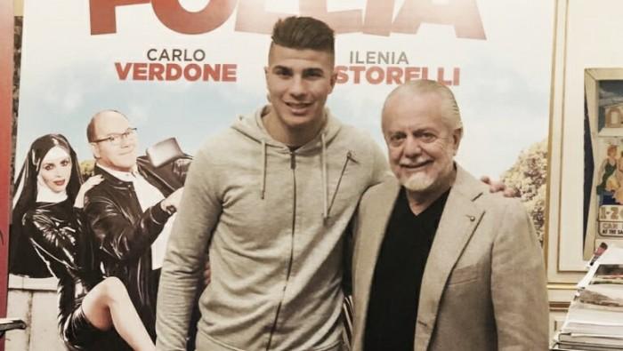 Ex-Toulouse, meia Zinedine Machach assina com Napoli