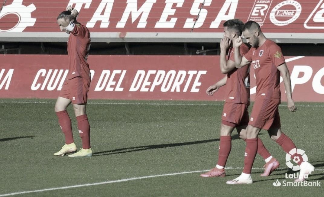 El Numancia respira ante el Oviedo