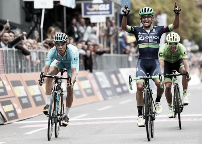 Giro di Lombardia, trionfo di Esteban Chaves in volata su Diego Rosa