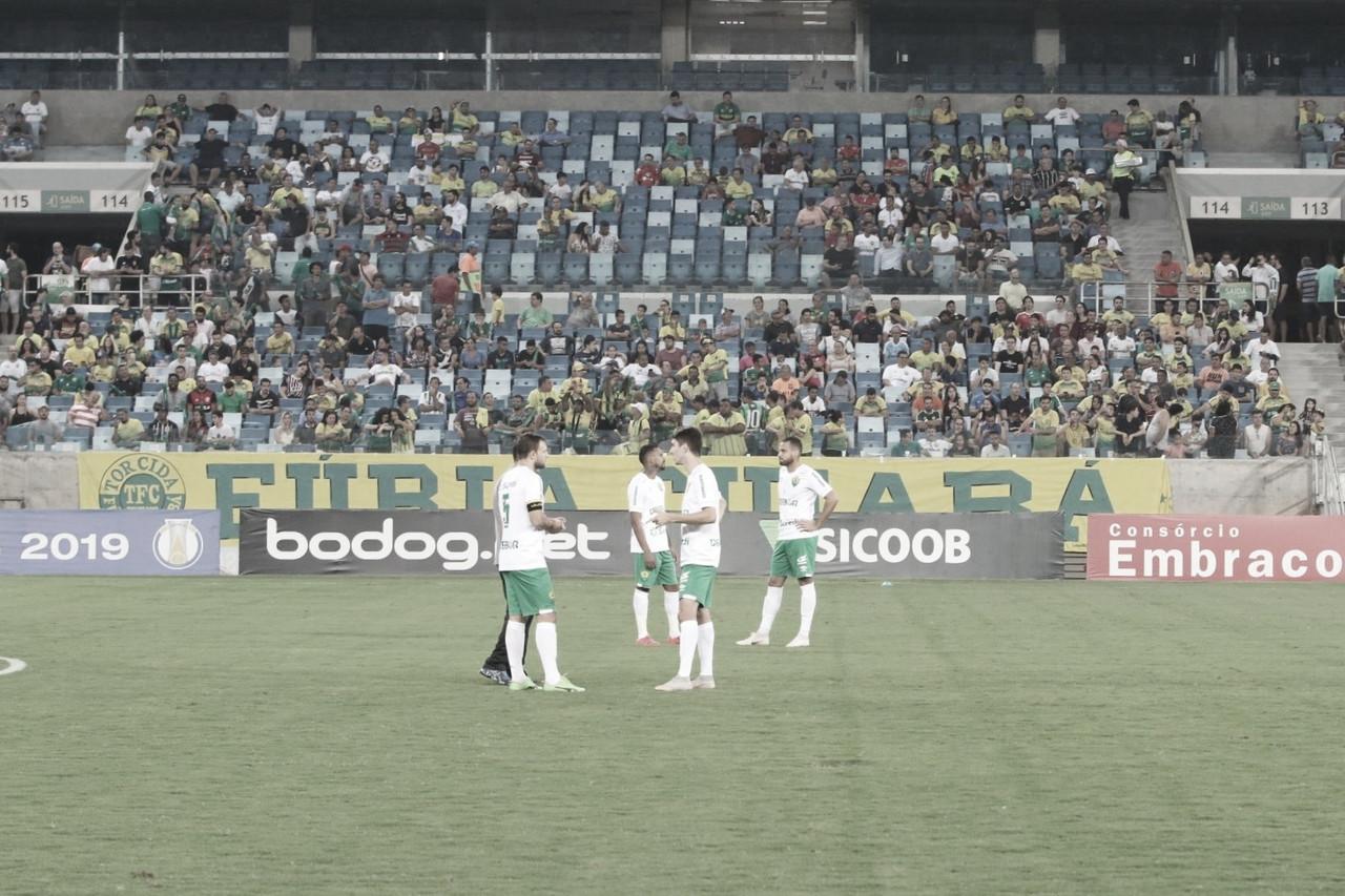 Cuiabá vence por WO após elenco do Figueirense não ir a campo em forma de protesto