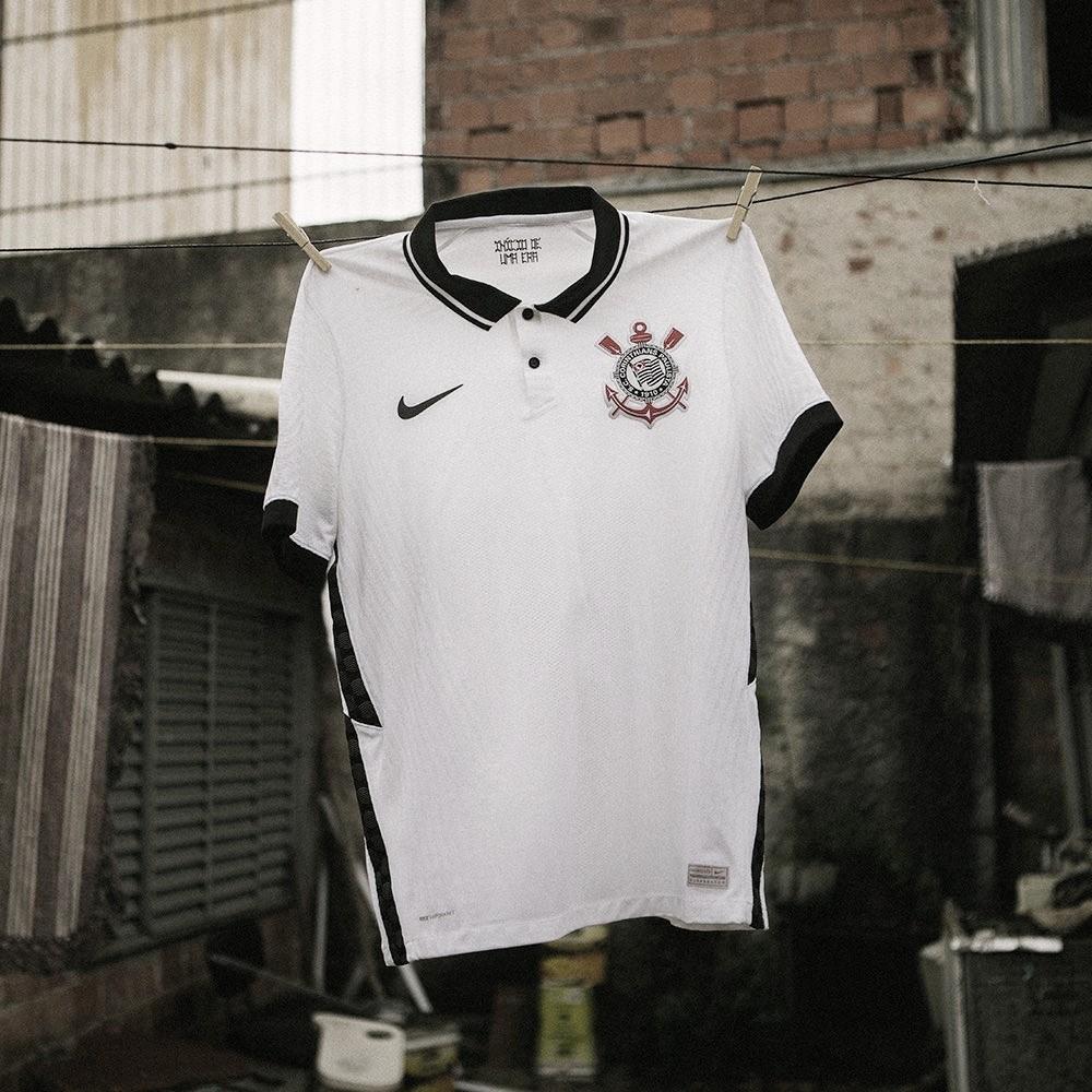Corinthians lança novo uniforme que homenageia título brasileiro de 1990