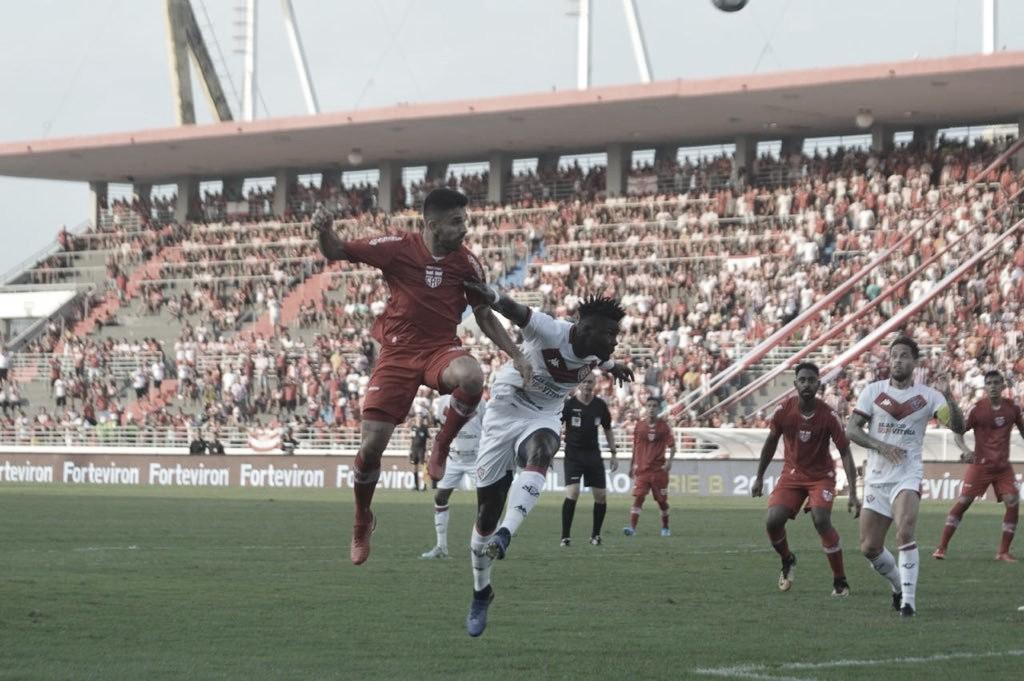 Em jogo decisivo pela Série B, Vitória recebe CRB no Barradão