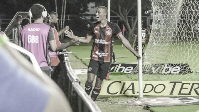 Vitória vence Brasil de Pelotas e abre vantagem contra Z-4