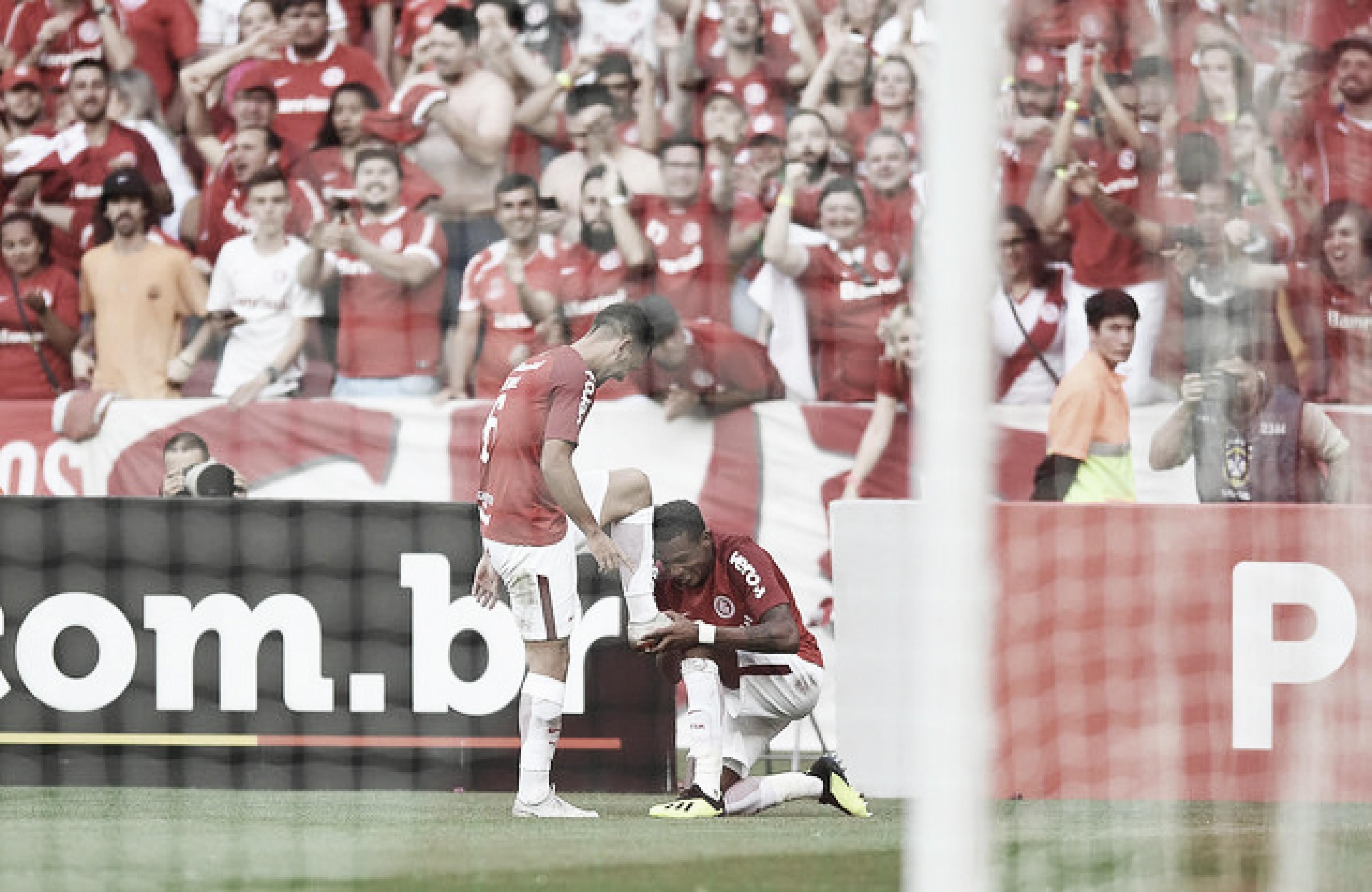 Em clássico truncado, Internacional vence Grêmio e reassume a liderança do Brasileirão