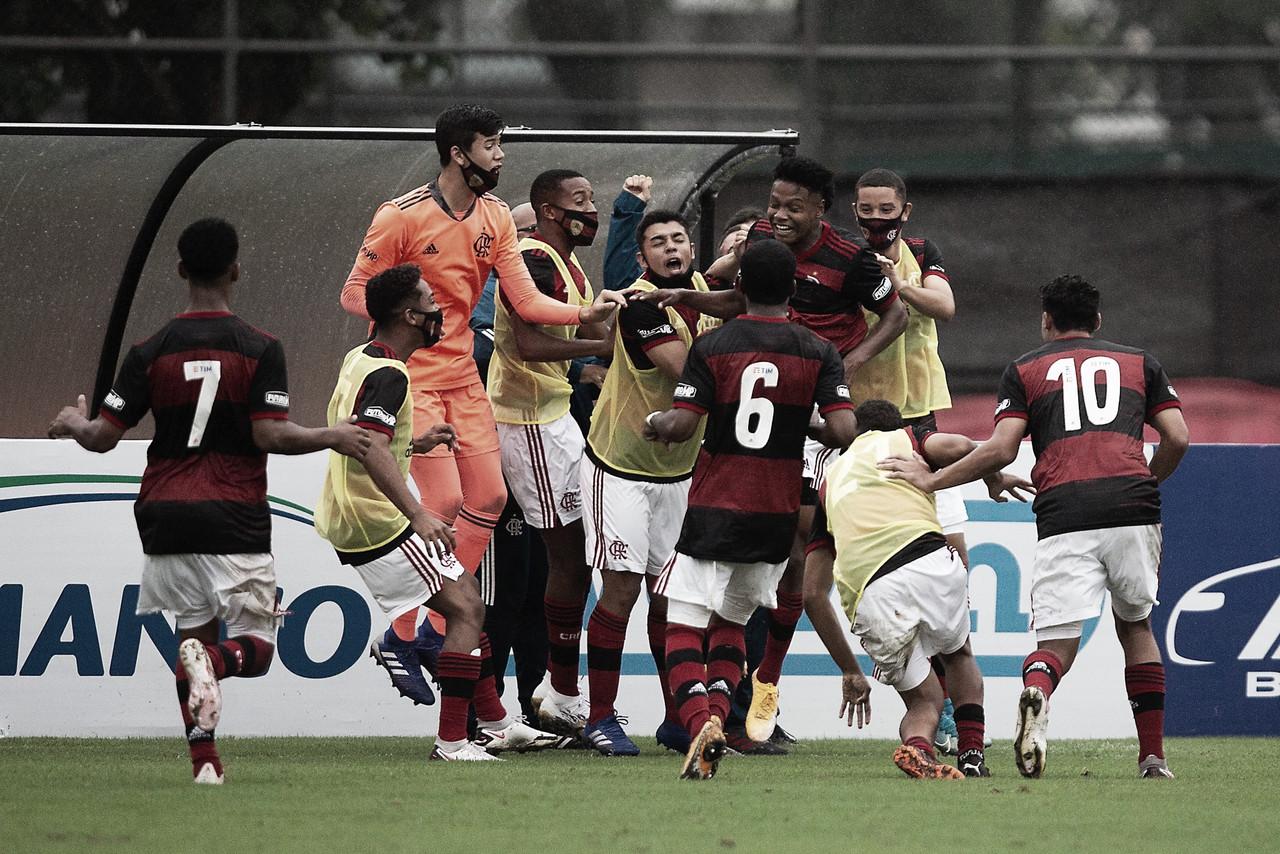 Brasileirão sub-17: Flamengo goleia Palmeiras na ida das quartas de final