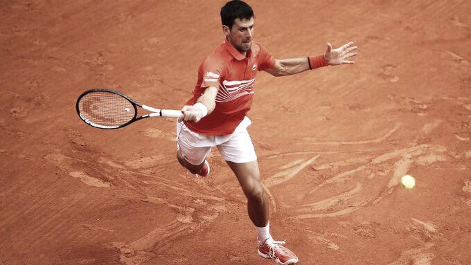 Djokovic joga bem mais uma vez, vence Struff e está classificado para as quartas de Roland Garros