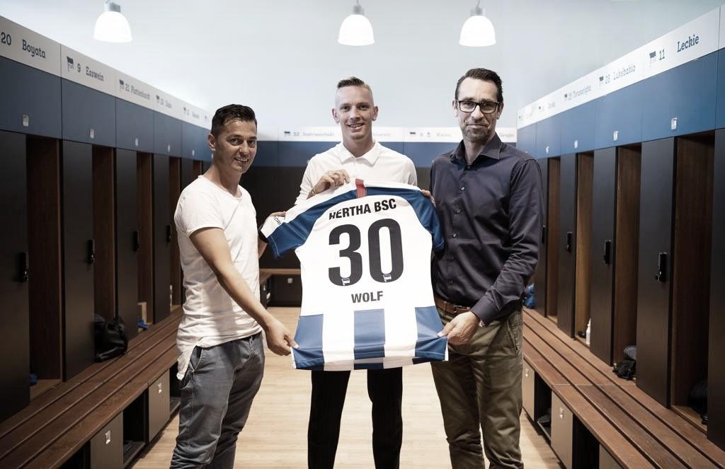 Marius Wolf, do Borussia Dortmund, é emprestado ao Hertha Berlin por uma temporada