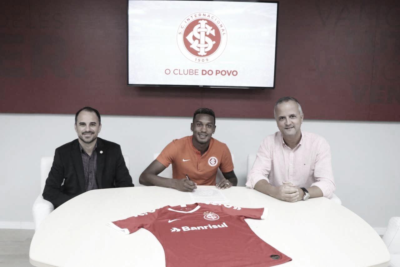 Internacional prorroga contrato de Edenilson por mais três temporadas
