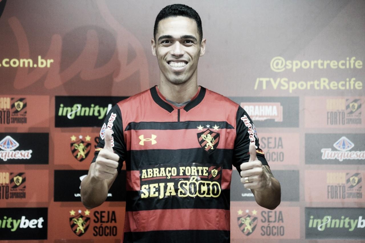 Eder Ferreira é apresentado oficialmente e fica à disposição de Guto Ferreira